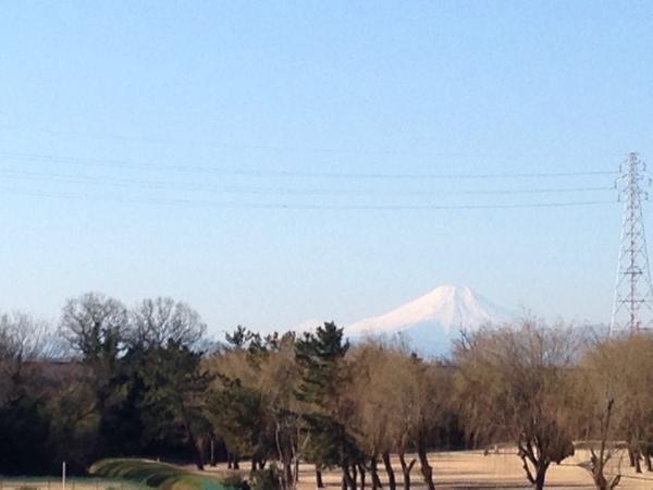 冬の荒川からの富士山