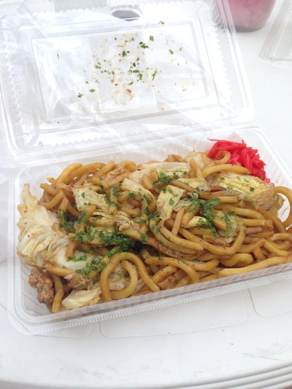 川越、蓮馨寺(れんけいじ)の太麺やきそば