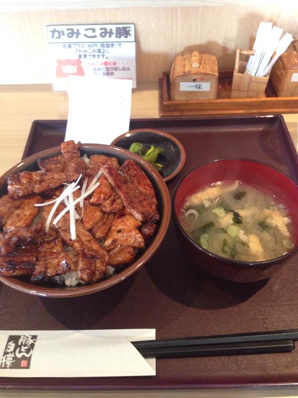 埼玉、十勝村の豚丼